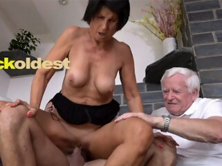 kink cuckoldest Old Man Licks Cum off His Wife Yetta
