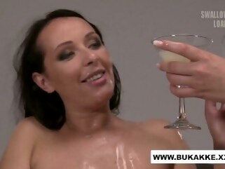 cum bukkakexxx Carolina Vogue Enjoys Cum Cocktail Blow Bang - bukkake.xxx