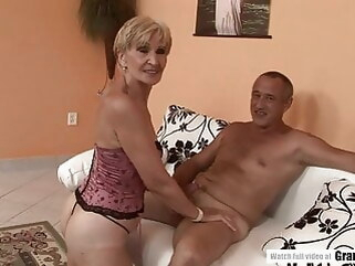 hardcore blowjob Amateur Mature Squirting And Getting Fucked Hard